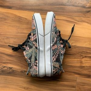 Vans ultracush women's floral sneakers 8